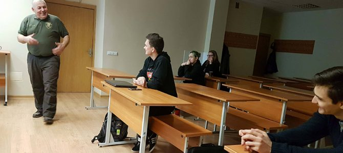 Savigynos seminarai socialiniams darbuotojams ir studentams